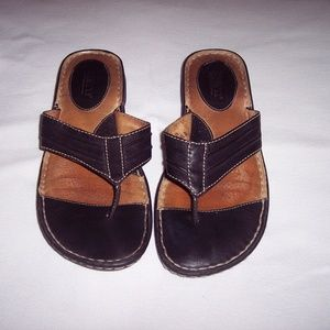 Born Black Leather Sandals Size 8